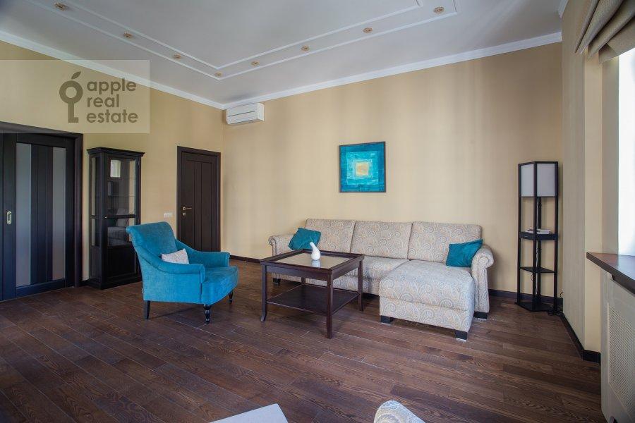 Гостиная в 2-комнатной квартире по адресу Фадеева, 4А
