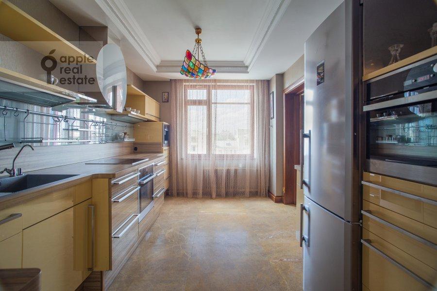Kitchen of the 6-room apartment at Trubnaya ulitsa 23K2