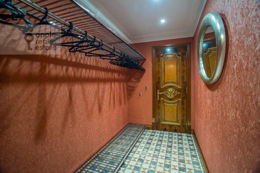 Walk-in closet / Laundry room / Storage room of the 6-room apartment at Trubnaya ulitsa 23K2