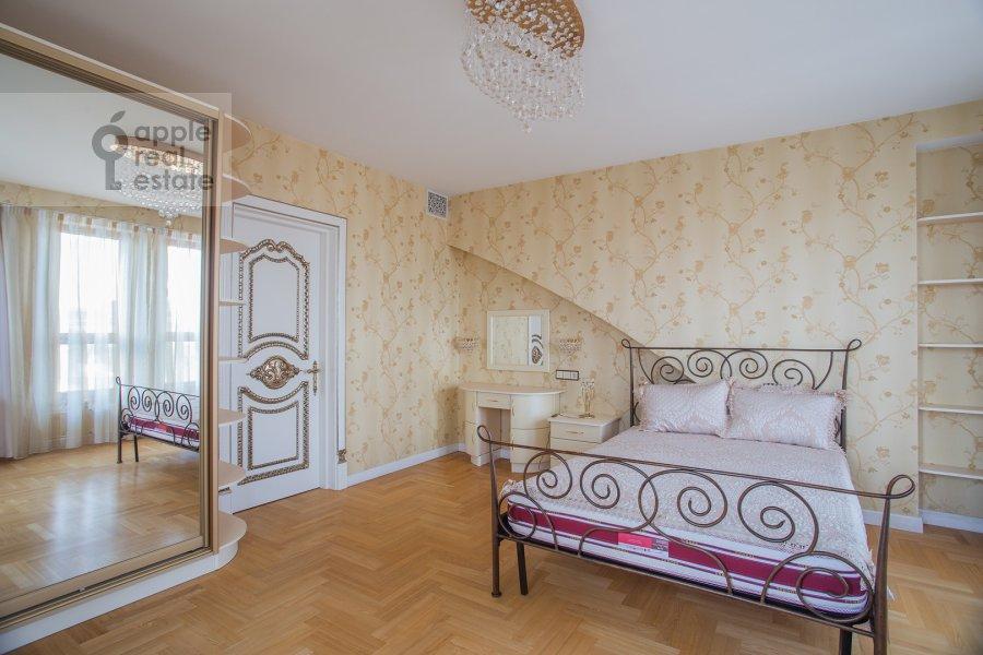 Bedroom of the 6-room apartment at Trubnaya ulitsa 23K2