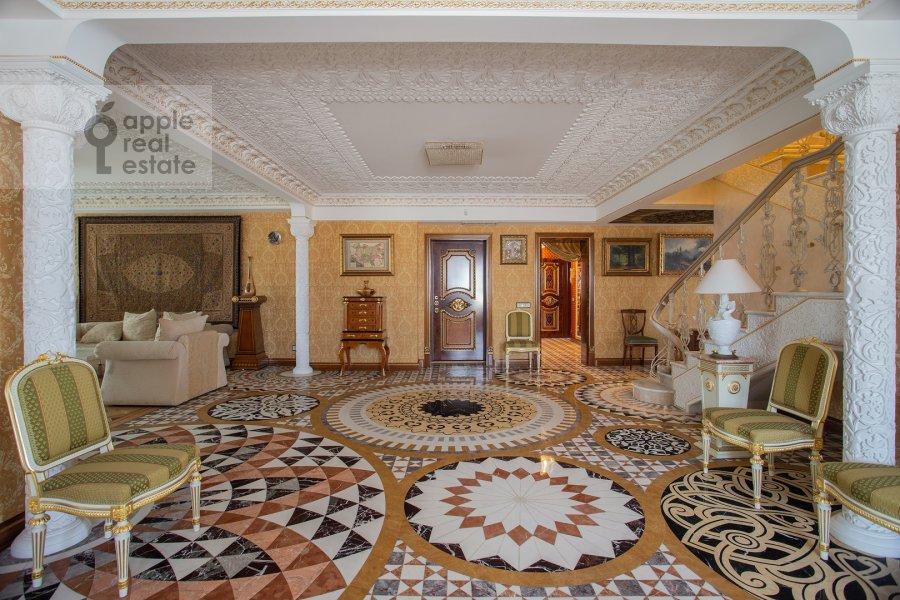 Living room of the 6-room apartment at Trubnaya ulitsa 23K2