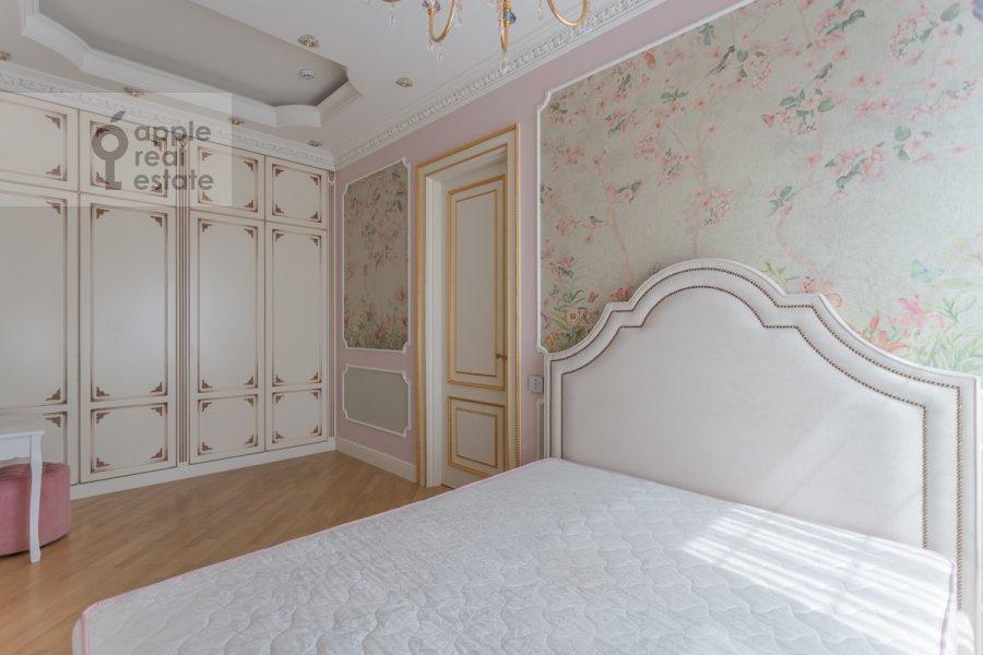 Спальня в 4-комнатной квартире по адресу 1-я улица Машиностроения 10
