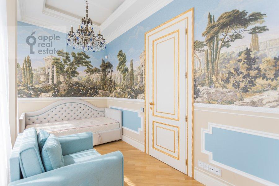 Детская комната / Кабинет в 4-комнатной квартире по адресу 1-я улица Машиностроения 10