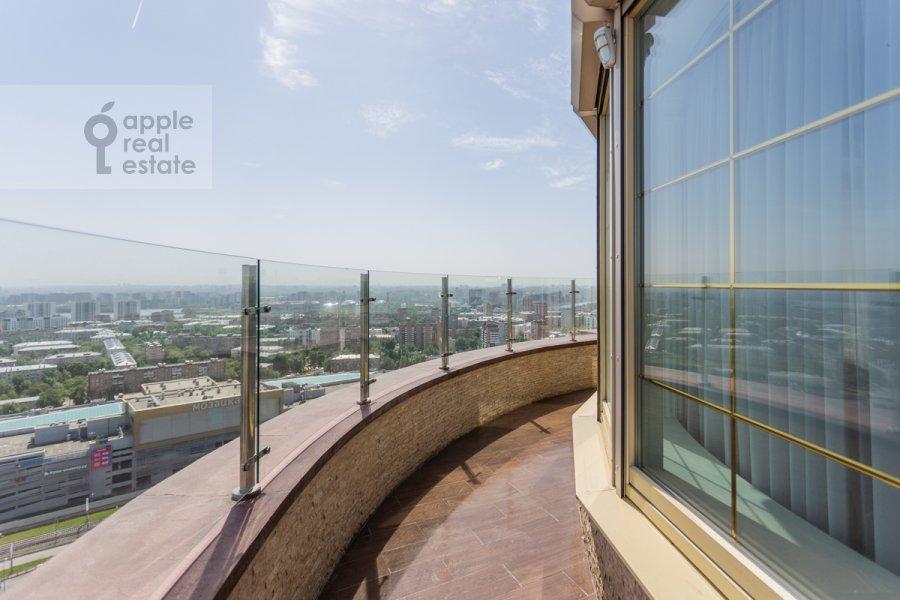 Балкон / Терраса / Лоджия в 4-комнатной квартире по адресу 1-я улица Машиностроения 10