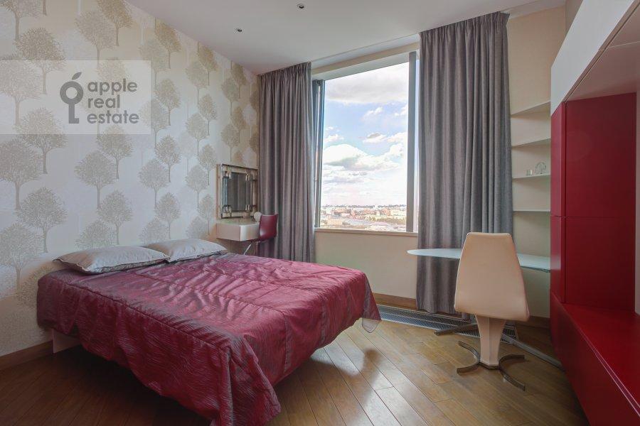 Bedroom of the 5-room apartment at Mosfil'movskaya ulitsa 8
