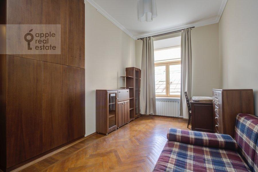 Детская комната / Кабинет в 4-комнатной квартире по адресу Петровский переулок 5С7