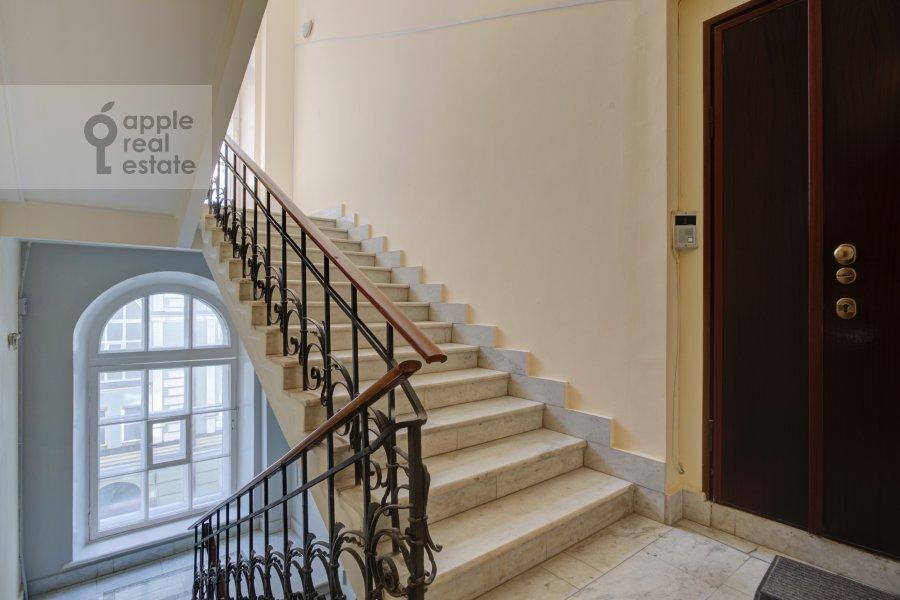 Фото дома 4-комнатной квартиры по адресу Петровский переулок 5С7