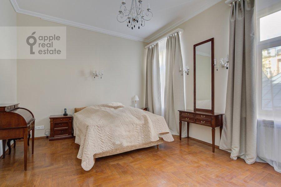 Спальня в 4-комнатной квартире по адресу Петровский переулок 5С7