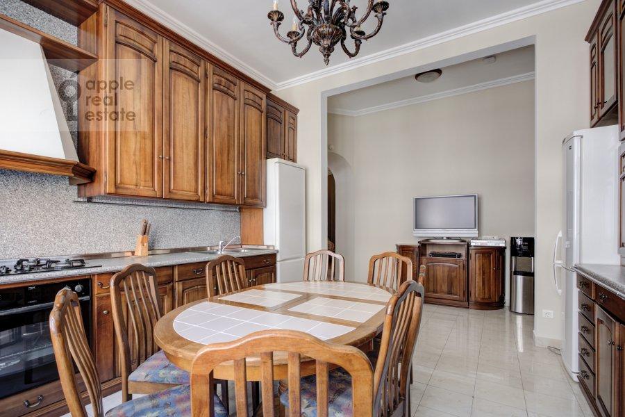 Кухня в 4-комнатной квартире по адресу Петровский переулок 5С7