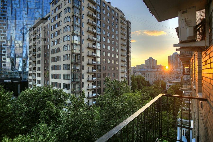 Фото дома 3-комнатной квартиры по адресу Пырьева 2