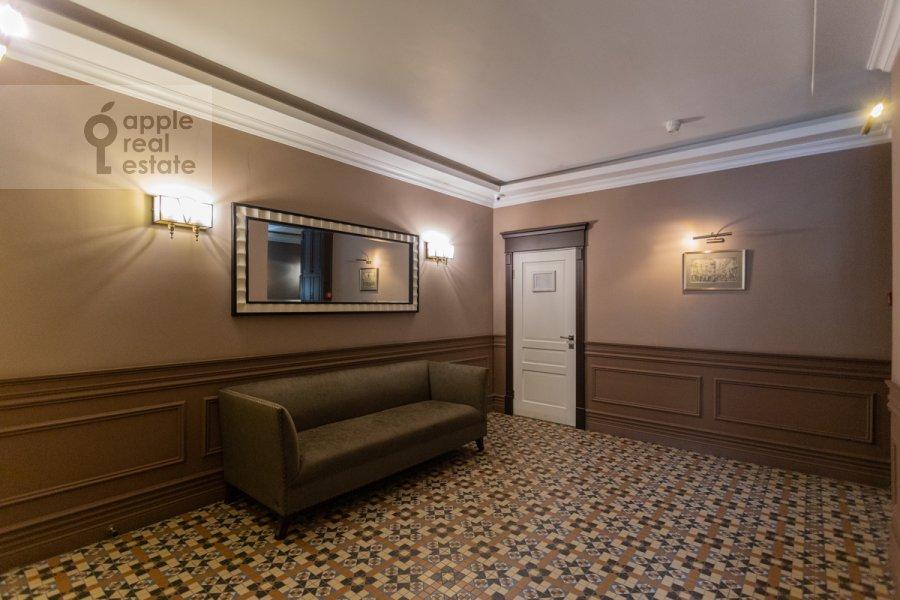 Фото дома 4-комнатной квартиры по адресу Милютинский пер. 3
