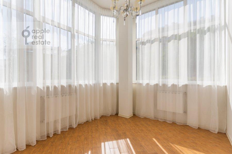 Балкон / Терраса / Лоджия в 4-комнатной квартире по адресу Милютинский пер. 3