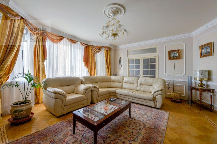 Гостиная в 4-комнатной квартире по адресу Зоологическая улица 30С2