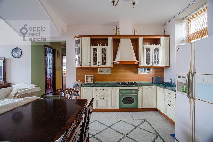 Кухня в 4-комнатной квартире по адресу улица Покровка 11