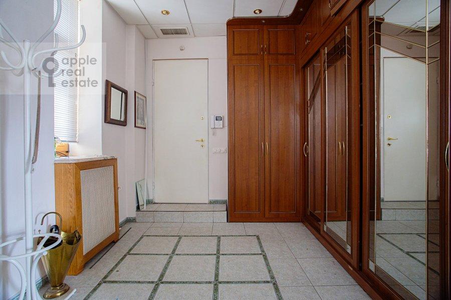 Коридор в 4-комнатной квартире по адресу улица Покровка 11