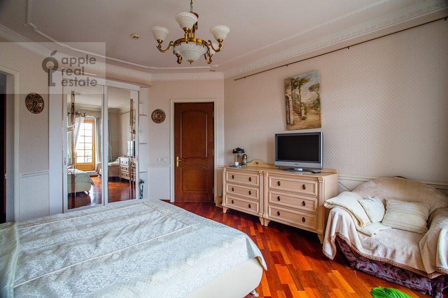 Спальня в 4-комнатной квартире по адресу улица Покровка 11