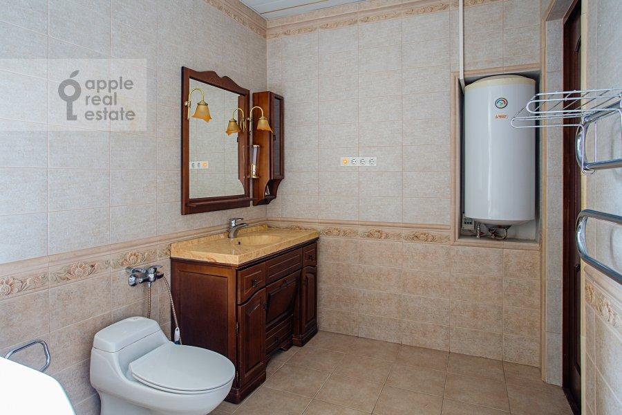 Санузел в 4-комнатной квартире по адресу улица Покровка 11
