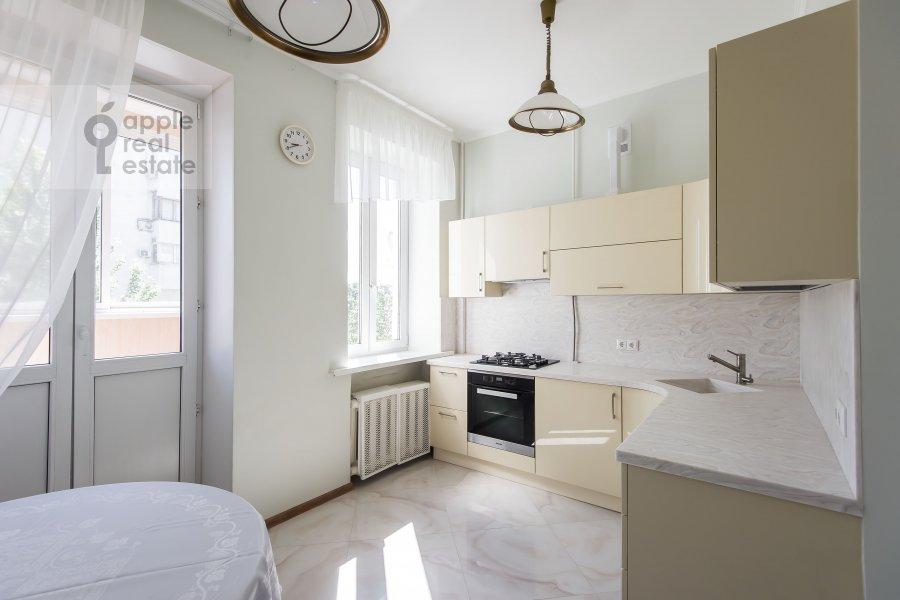 Кухня в 3-комнатной квартире по адресу Новорязанская улица 30