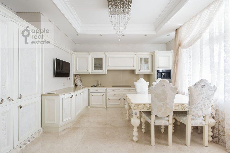 Кухня в 2-комнатной квартире по адресу Ленинский проспект 114