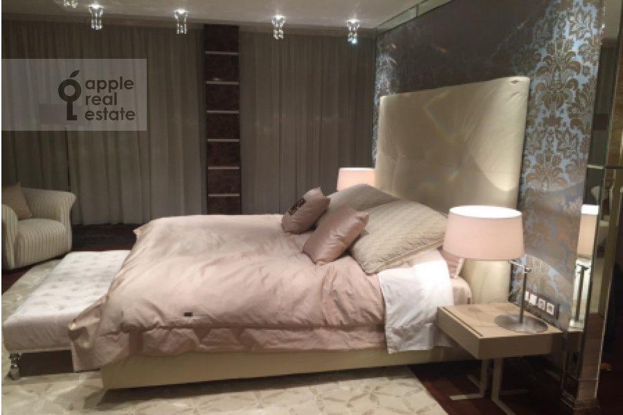 Спальня в 5-комнатной квартире по адресу Островной проезд 8