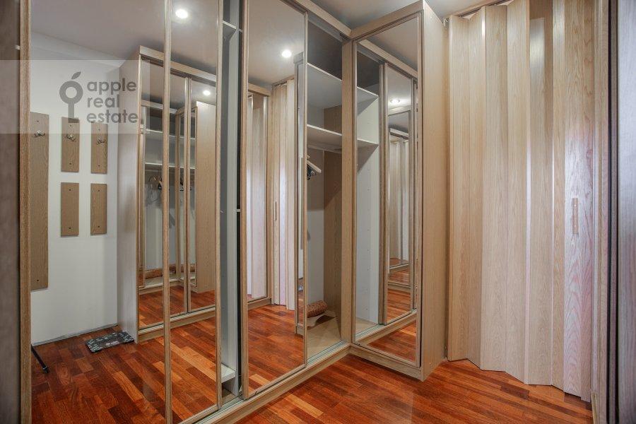 Walk-in closet / Laundry room / Storage room of the 4-room apartment at Minskaya ulitsa 1B