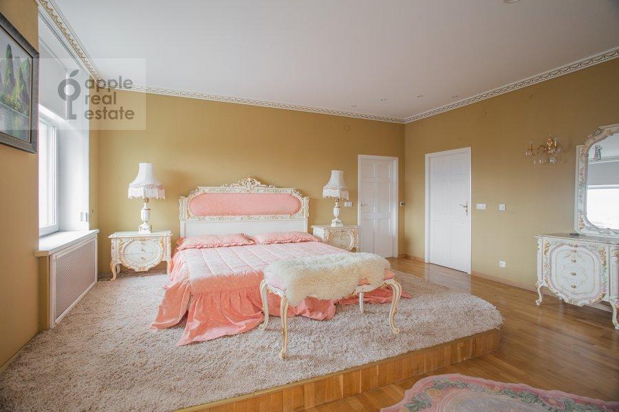 Bedroom of the 4-room apartment at Minskaya ulitsa 1B