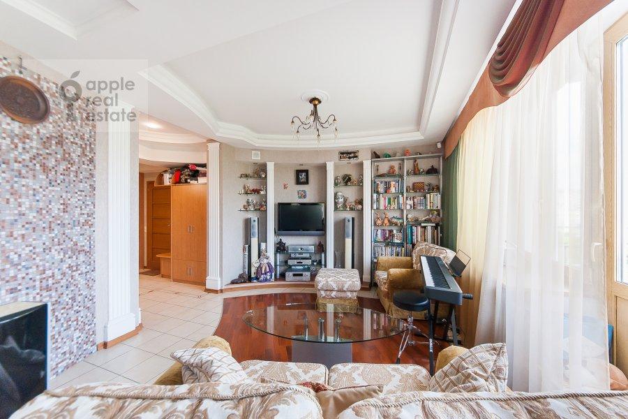 Гостиная в 3-комнатной квартире по адресу Чистопрудный бульвар 12К2