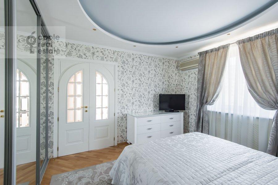 Спальня в 3-комнатной квартире по адресу Ладожская улица 8