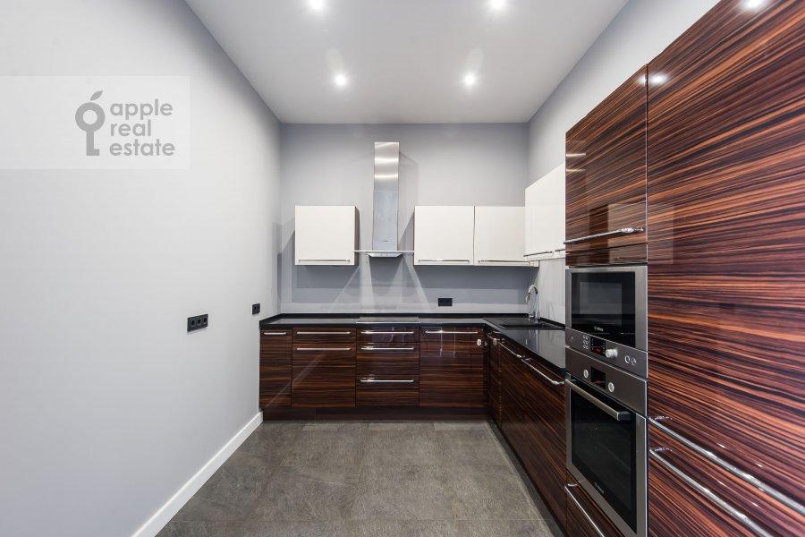 Кухня в 3-комнатной квартире по адресу Усачева улица 2С3