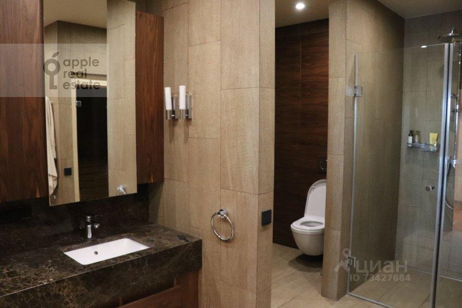 Bathroom of the 3-room apartment at Tsvetnoy bul'var 2