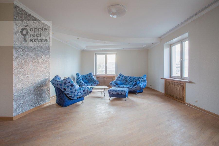 Гостиная в 5-комнатной квартире по адресу Хавская улица 3