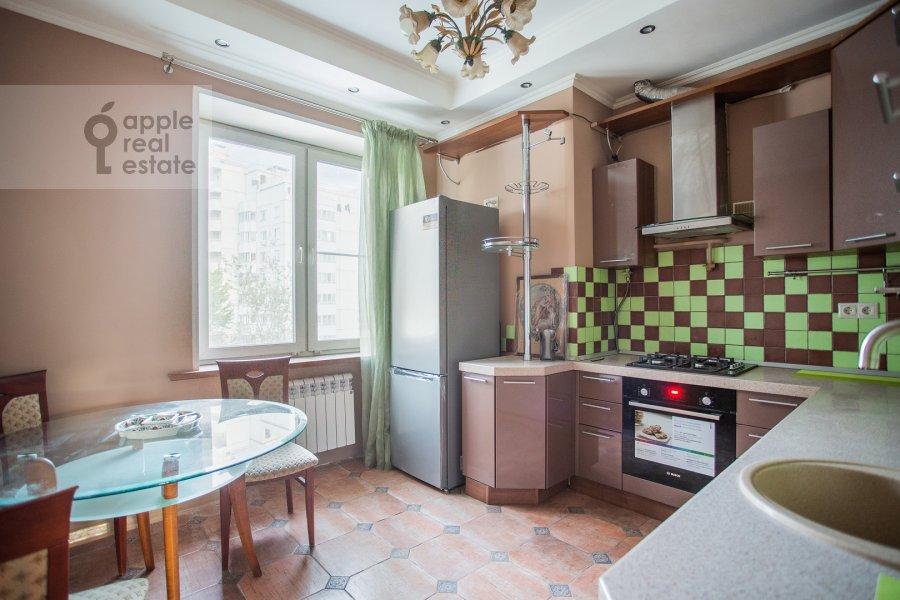 Кухня в 5-комнатной квартире по адресу Хавская улица 3