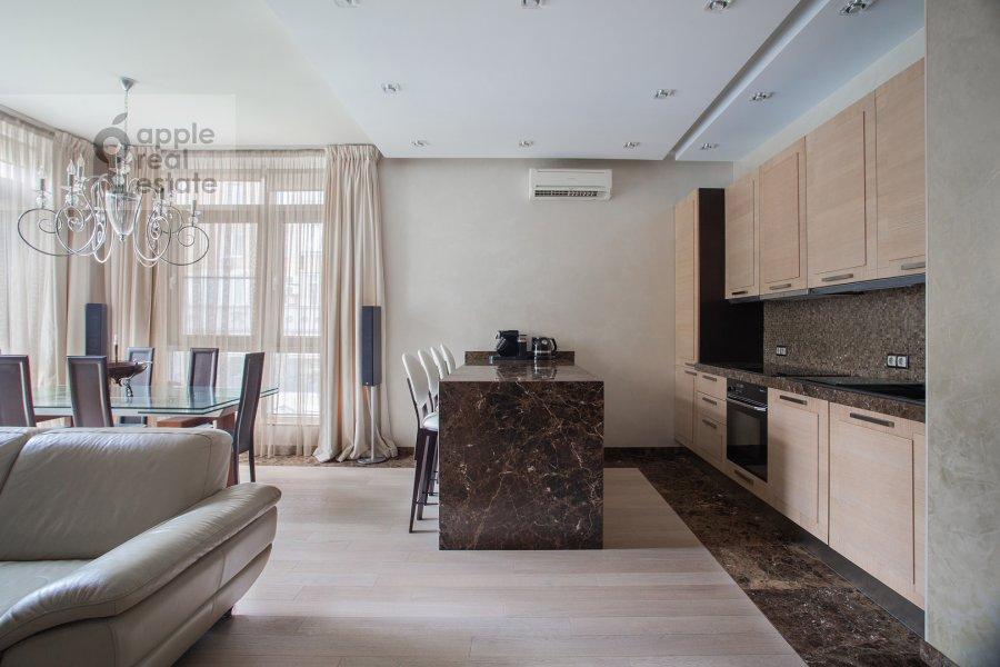 Kitchen of the 4-room apartment at Veskovskiy pereulok 3