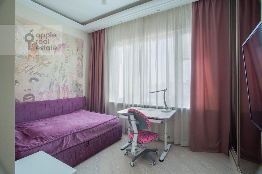 Детская комната / Кабинет в 4-комнатной квартире по адресу Сосновая аллея 1