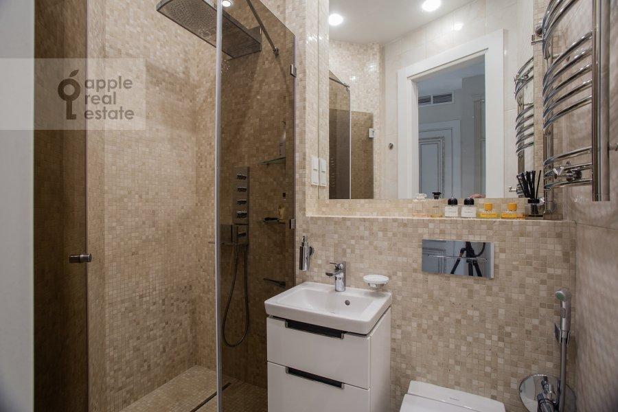 Санузел в 4-комнатной квартире по адресу Сосновая аллея 1