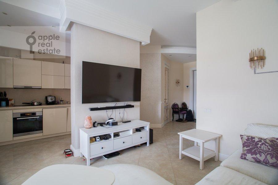 Гостиная в 4-комнатной квартире по адресу Сосновая аллея 1