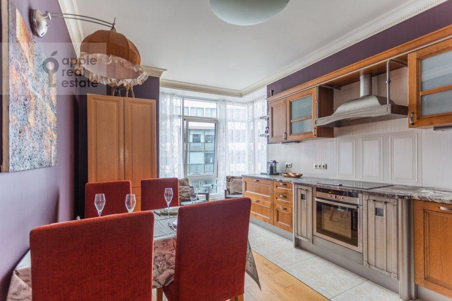 Кухня в 3-комнатной квартире по адресу Озерковская набережная 26