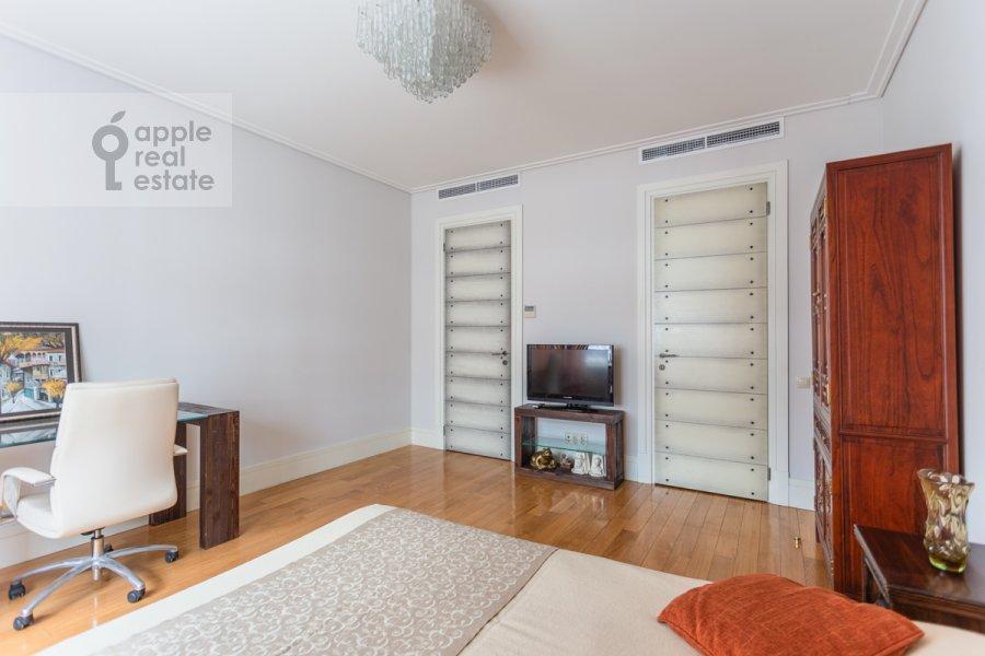 Спальня в 3-комнатной квартире по адресу Озерковская набережная 26