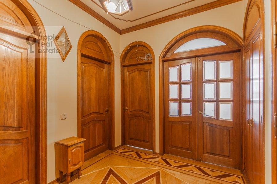 Коридор в 4-комнатной квартире по адресу Народная 13