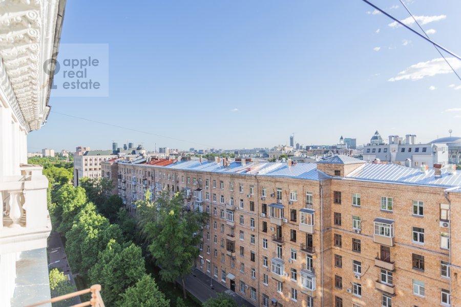 Вид из окна в 4-комнатной квартире по адресу Народная 13
