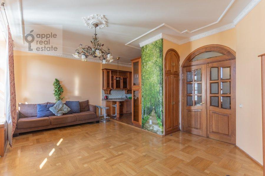 Гостиная в 4-комнатной квартире по адресу Народная 13
