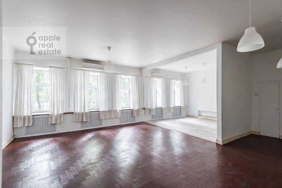 3-room apartment at Bol'shoy Patriarshiy pereulok 10