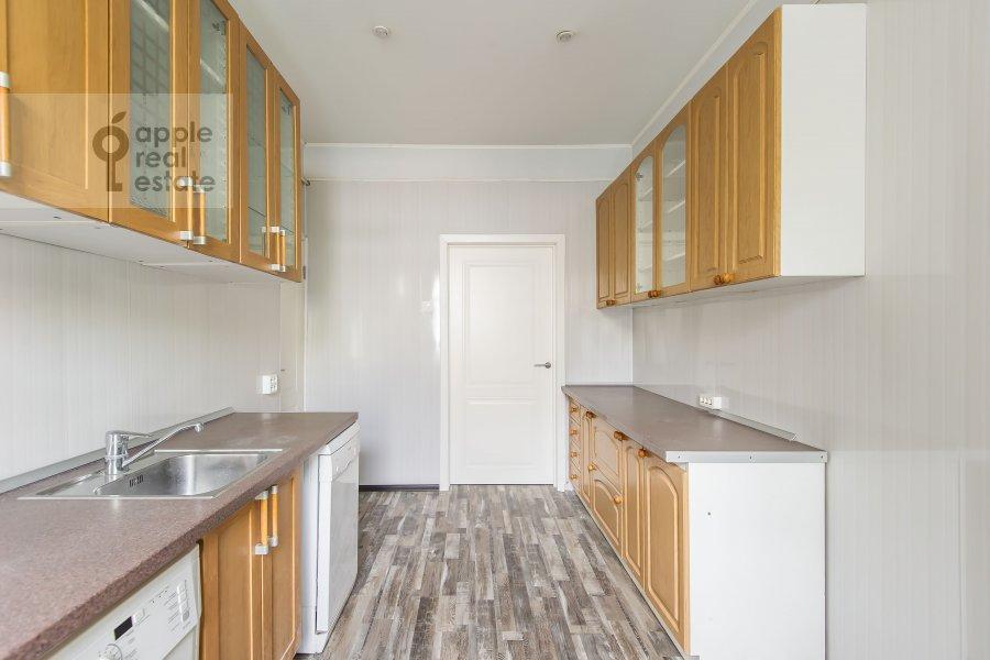Kitchen of the 3-room apartment at Bol'shoy Patriarshiy pereulok 10