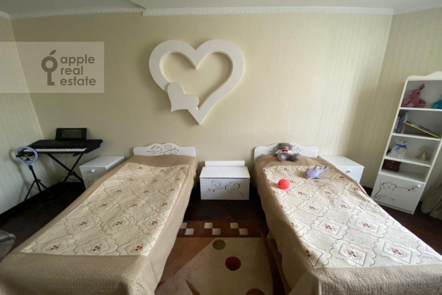 Children's room / Cabinet of the 3-room apartment at Lomonosovskiy prospekt 25K3