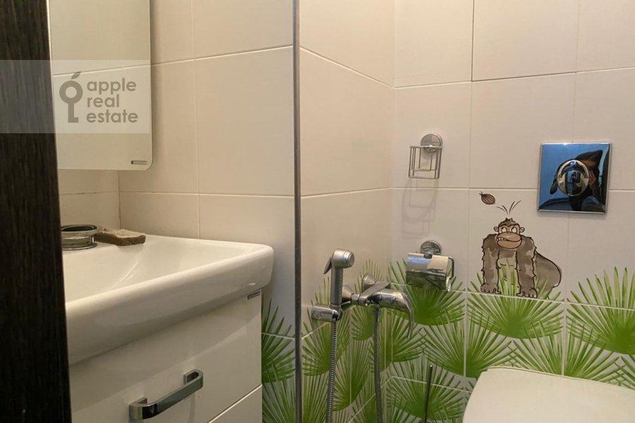 Bathroom of the 3-room apartment at Lomonosovskiy prospekt 25K3