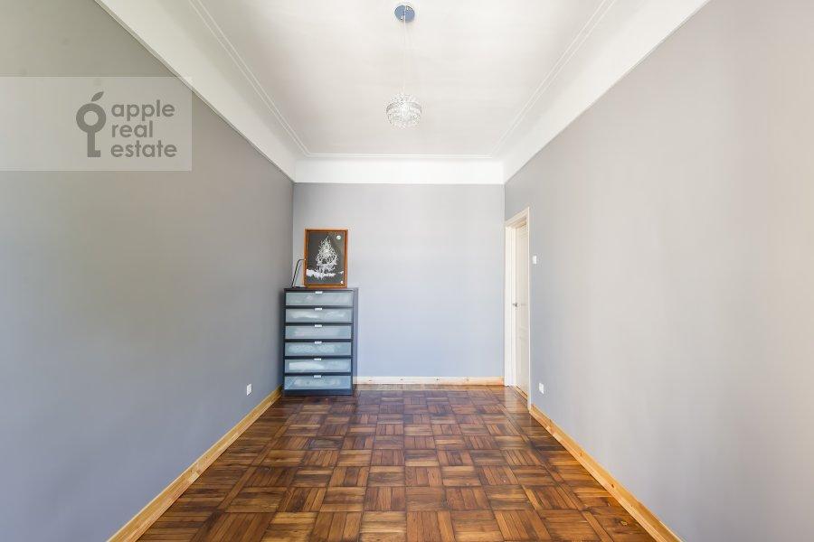 Детская комната / Кабинет в 5-комнатной квартире по адресу Мансуровский переулок 6