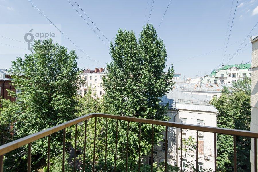 Вид из окна в 5-комнатной квартире по адресу Мансуровский переулок 6