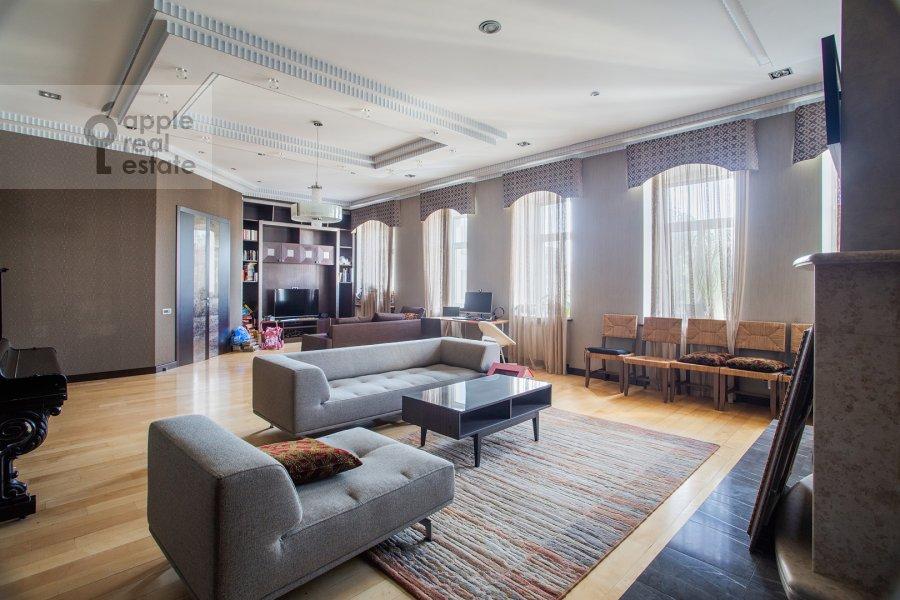 Гостиная в 5-комнатной квартире по адресу Покровка 42с6