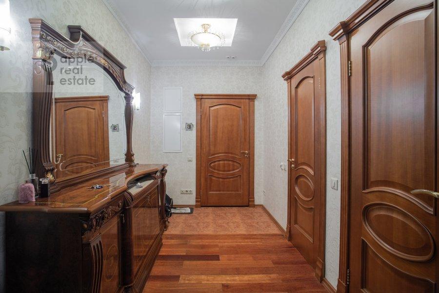 Corridor of the 3-room apartment at Shmitovskiy proezd 16S2