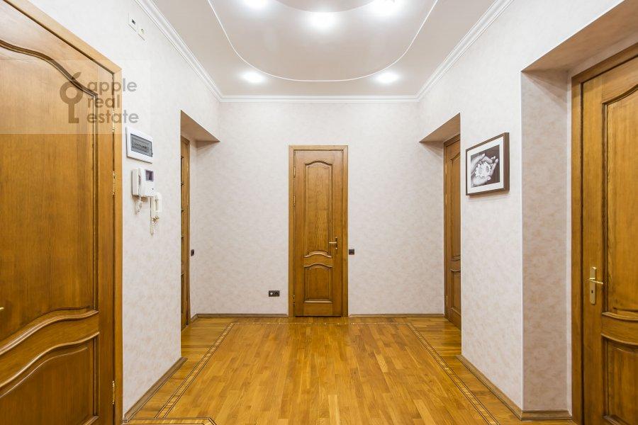 Corridor of the 3-room apartment at Krasnokholmskaya naberezhnaya 1/15